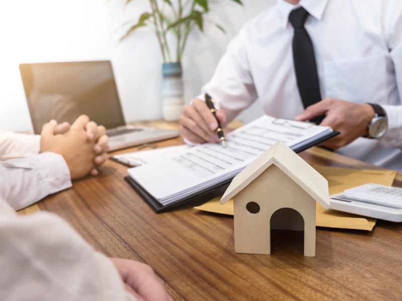 Soins de longue durée - Latella & Bastone Financial Group - Concepts et solutions d'assurance